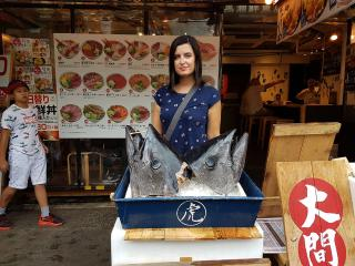 Tsukiji-market-9.jpg