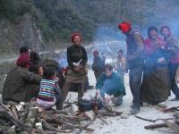 Vitalik_between_tibetans___220_2099.JPG